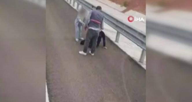 Kadına sözlü saldırıda bulundu, tepki görünce tır sürücüsünün üstüne yürüdü