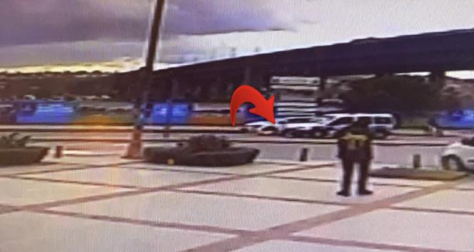İstanbul'da feci kaza: Havada takla atan genç kadın yere savruldu