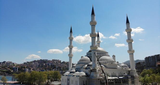 Cumhurbaşkanı Erdoğan'ın açılışını yapacağı camiye Mescid-i Aksa figürlü Kur'an-ı Kerim hediyesi