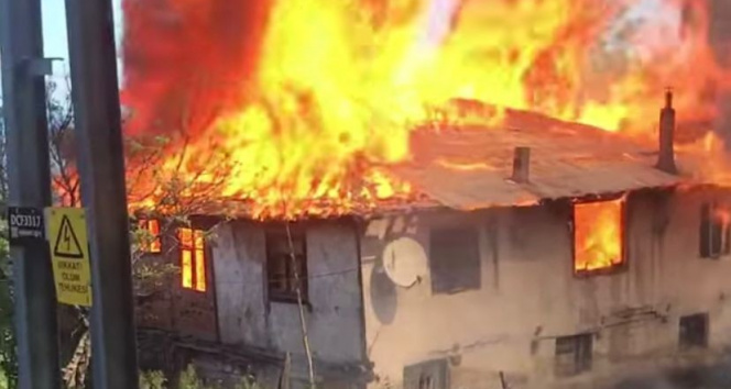 Alevlere teslim olan ev kullanılamaz hale geldi