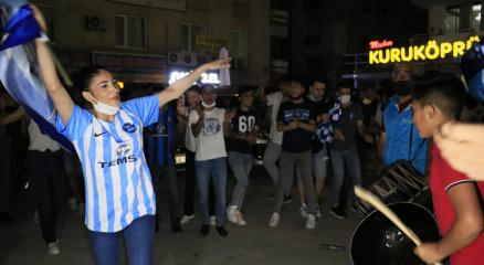 Adana Demirsporun 26 yıl sonra gelen şampiyonluğu, coşkuyla kutlandı