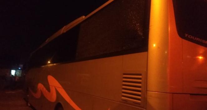 Samsunspor otobüsüne Adana'da taşlı saldırı