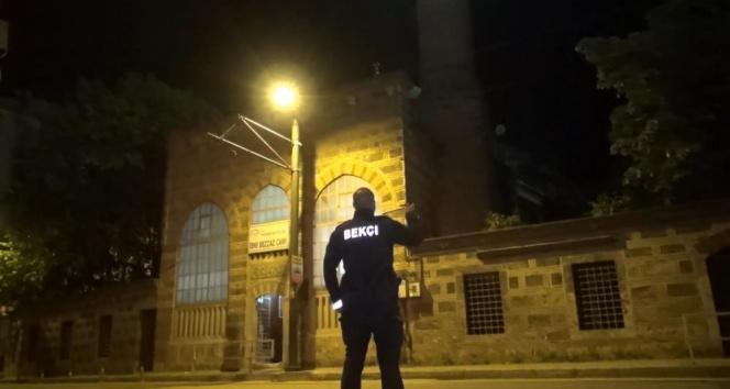 Tarihi camide hırsızlık alarmı