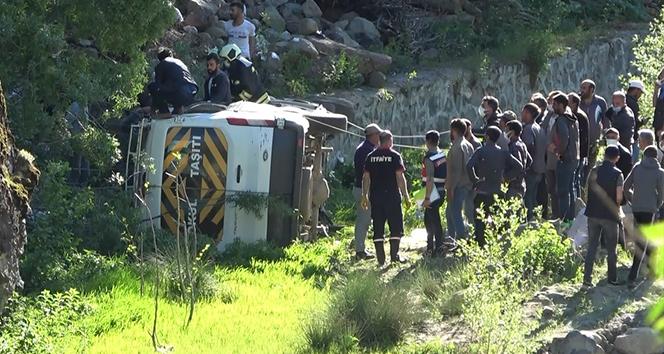 Bingöl'deki minibüs kazasında 1 kişi hayatını kaybetti