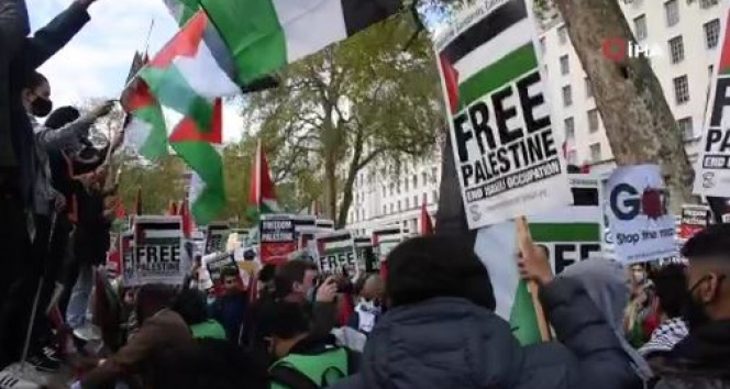 İngiltere'de Filistin'e destek protestosu