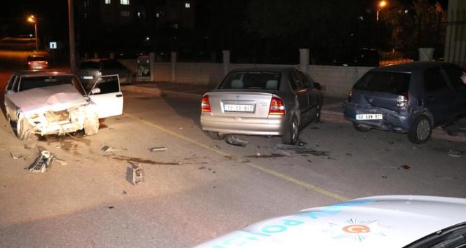 Aksaray'da 5 araçlı trafik kazası: 1 yaralı