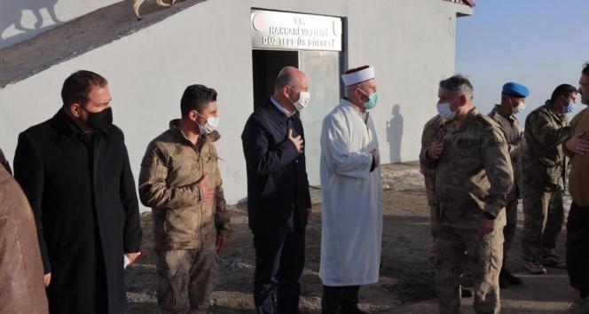 Bakan Soylu, Bayram namazını 3480 rakımlı üs bölgesinde kıldı