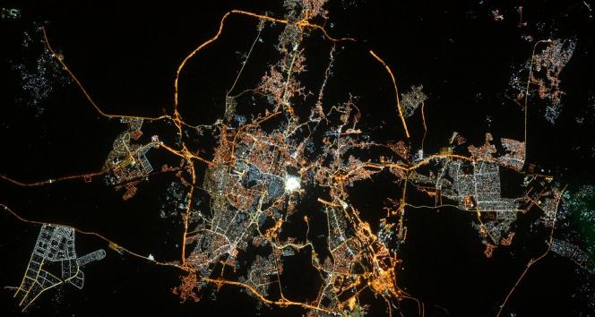 Fransız astronottan uzaydan 'Kabeli' fotoğrafla bayram mesajı