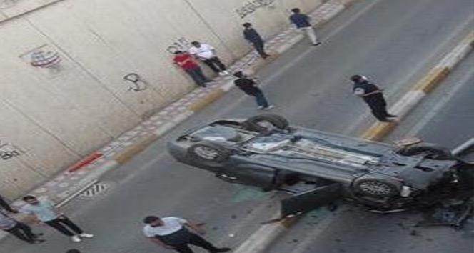 Diyarbakır'da aynı dakikada iki araç takla attı: 8 yaralı