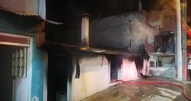 İzmir'de müstakil ev yangınında kundaklama şüphesi