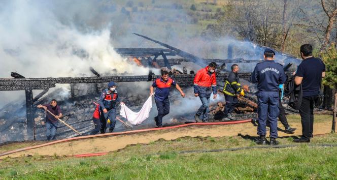 Yangında hayatını kaybeden şahsın cansız bedeni enkazdan çıkartıldı