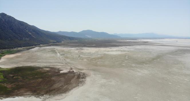 Dünyanın 2. büyük doğal sodyum kaynağı 'Acıgöl' can çekişiyor