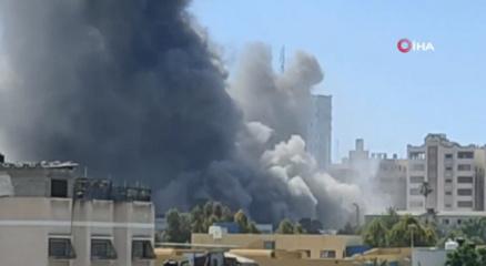 İsrail, Gazzede medya ofislerinin bulunduğu 12 katlı binayı vurdu