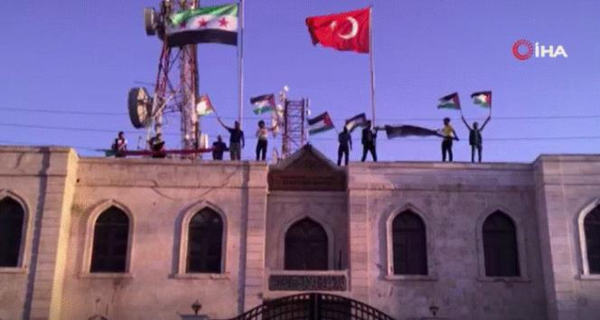 Azez'den Filistin'e destek: Meclis binasında Filistin bayrakları açıldı