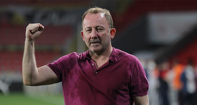 Sergen Yalçın, ilk kez gittiği İzmir deplasmanında 2 kupa peşinde!
