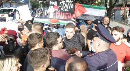 Arnavutlukta Filistine destek protestosuna polis müdahalesi