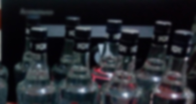Evini sahte içki imalathanesine çevirmiş