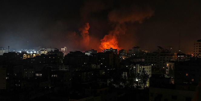 İsrailin Gazze Şeridine hava saldırıları gece boyunca devam etti