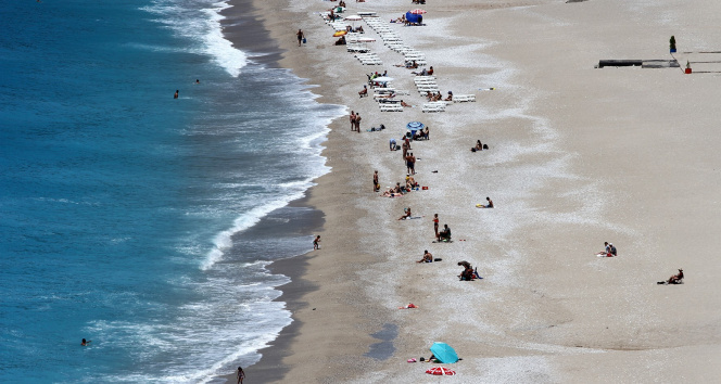 Kademeli normalleşme ile Fethiye'de sahiller hareketlendi