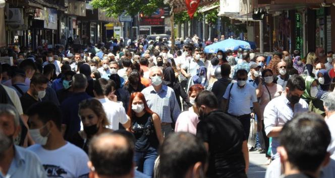Gaziantep'te tam kapanmanın ardından caddeler doldu taştı