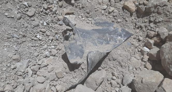 Lübnan'a düşen roket parçaları görüntülendi