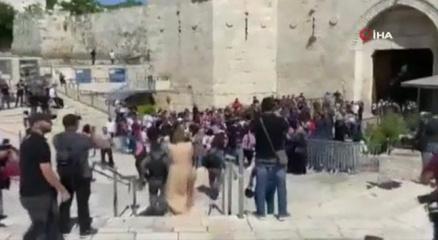 İsrail güçlerinden Filistinlilere Şam Kapısında plastik mermili müdahale