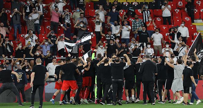 Beşiktaş kazandı, Fenerbahçe Avrupa Ligi'ne gitti