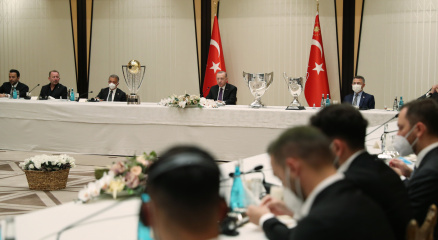 Cumhurbaşkanı Erdoğan, Beşiktaş Futbol Takımını kabul etti