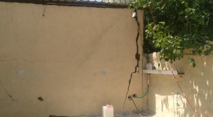 Ümraniyede apartman garajında göçük meydana geldi, 2 bina boşaltıldı