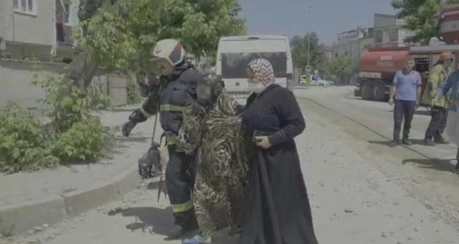 Bursa'da yangında can pazarı... 2 kadın kurtarıldı