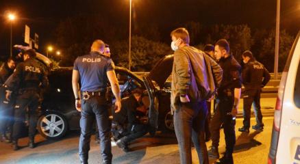 İstanbulda hareketli dakikalar...Dur ihtarına uymayan alkollü sürücü dehşet saçtı