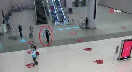 İstanbul Havalimanında yolcunun midesinde 2 kilo uyuşturucu çıktı