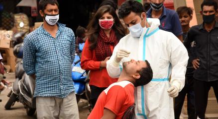 Hindistanda vaka sayısı 63 gün sonra ilk kez 100 binin altında