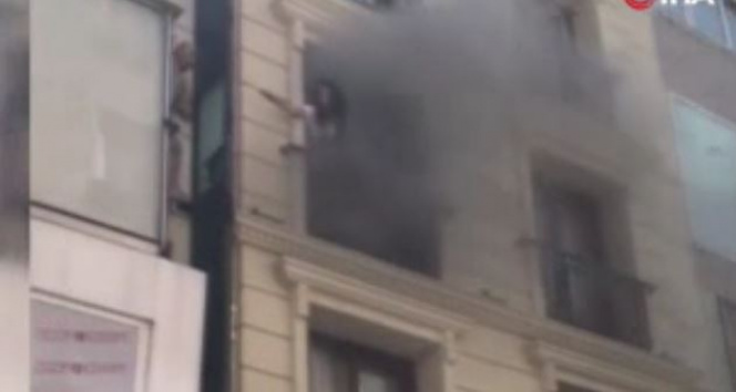 Fatih Laleli'de bir otelin saunasında yangın!