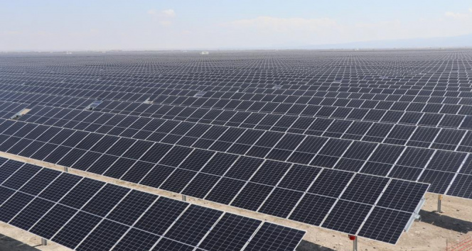 Dev güneş santralinin SCADA binasının temeli bakanların katılımıyla atıldı