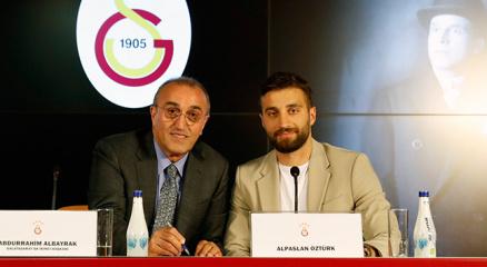 """Alpaslan Öztürk: """"Galatasaraya istendiğimi hissederek geldim"""""""