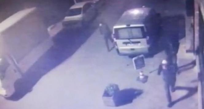 İstanbul'da kasaları açıp 80 bin lira çalan hırsızı bekçiler yakaladı