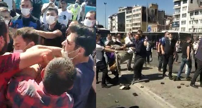 Kadıköy'de seyyar satıcı zabıta kavgası kamerada