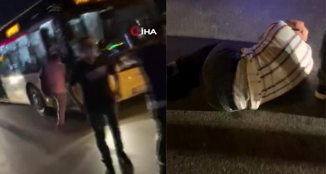 Çekmeköy'de korku dolu anlar: Yol verme kavgasında tekmeler havada uçuştu
