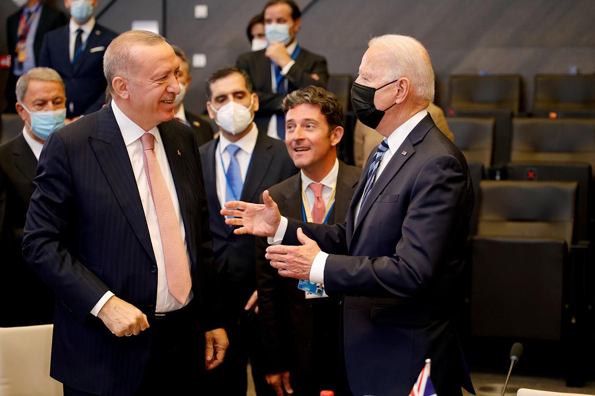 Cumhurbaşkanı Erdoğan, Biden ile sohbet etti