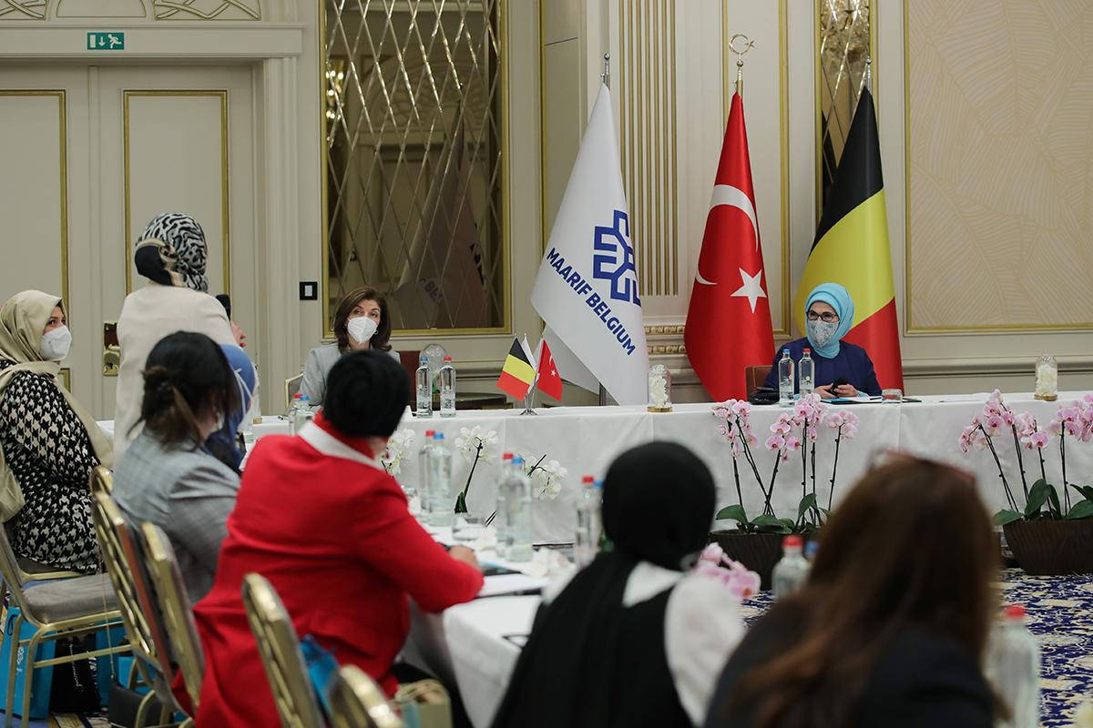 Emine Erdoğan, Belçika'daki Türk STK'ların temsilcileriyle görüştü