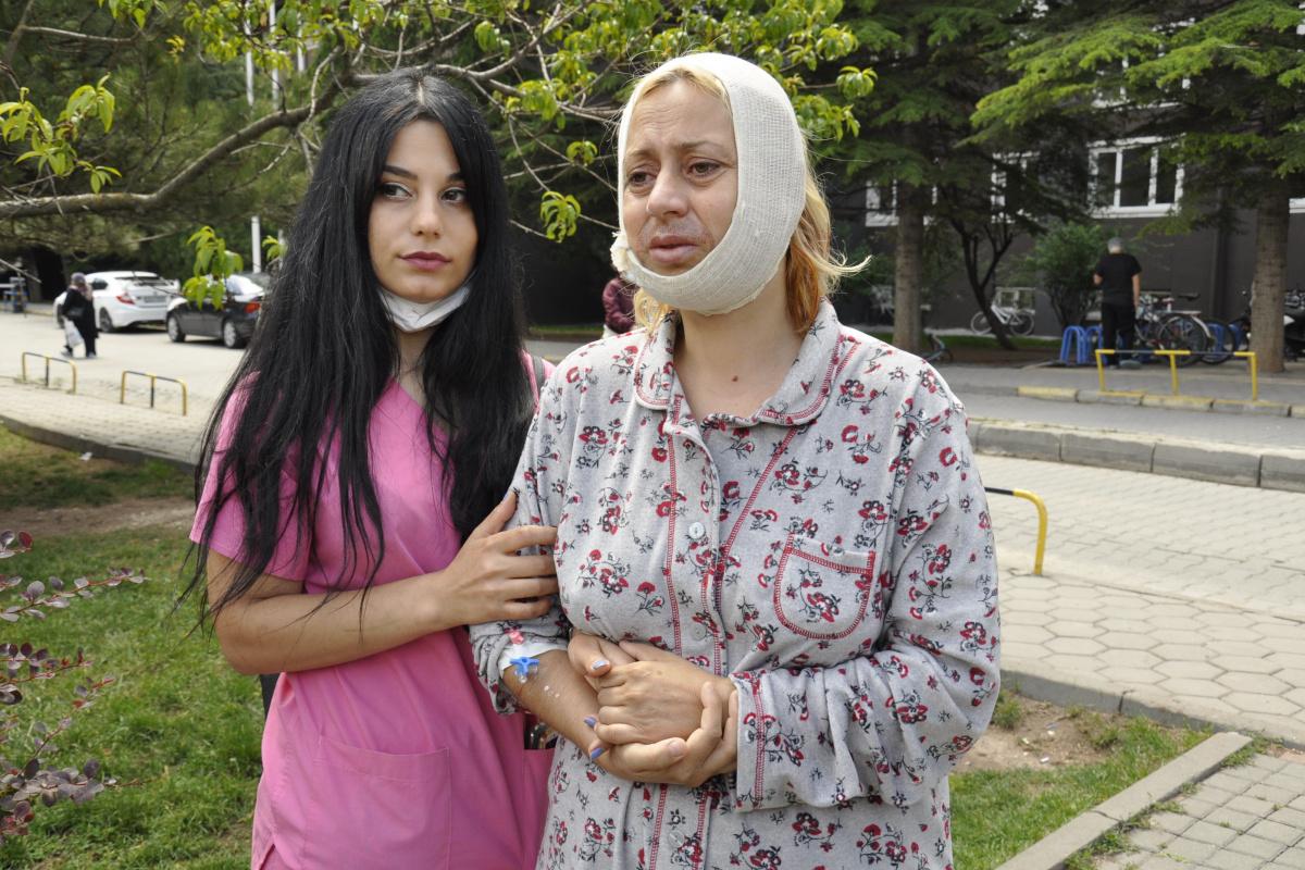 Sokak hayvanlarını beslerken saldırıya uğradı, ameliyat sonrası yaşadıklarını anlattı