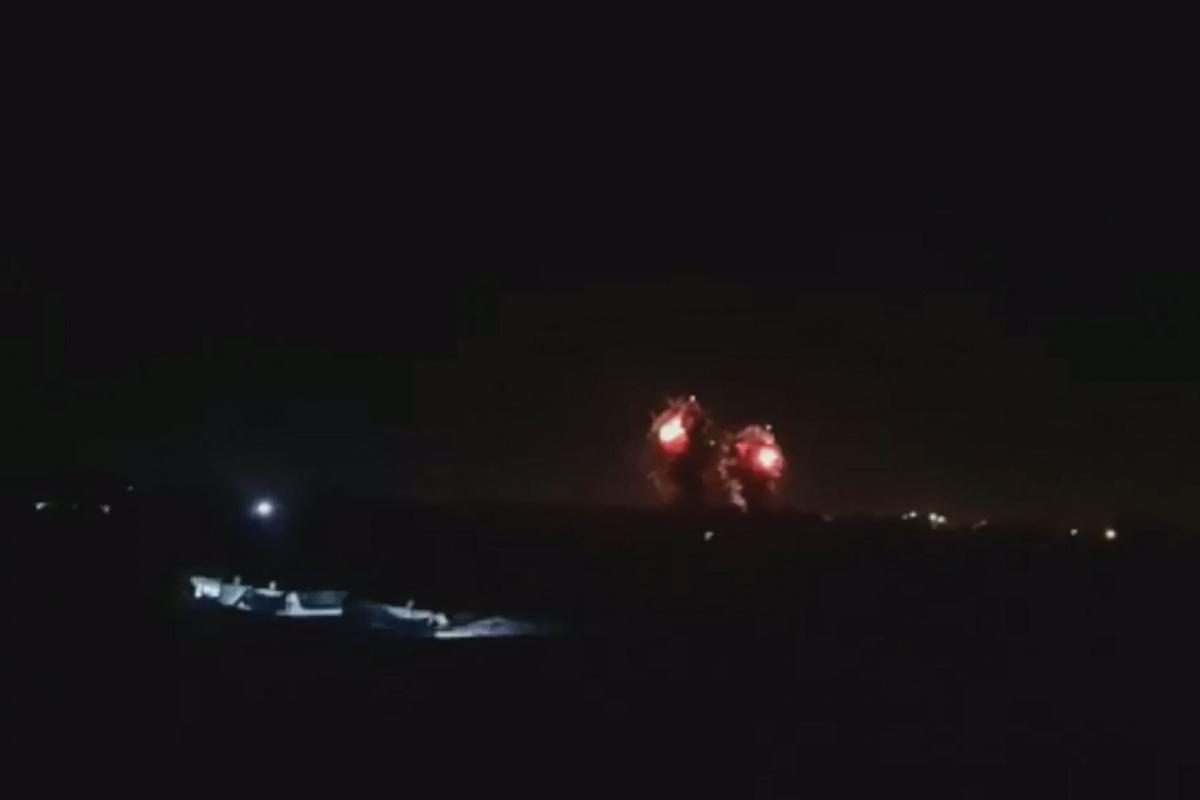 İsrail savaş uçakları, Gazze'yi vurdu