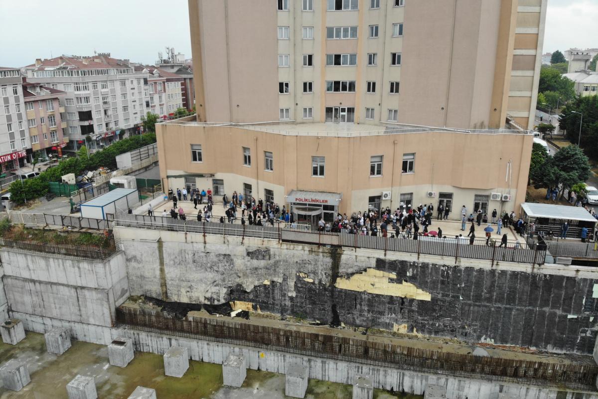 İstanbul'da hastanedeki aşı yoğunluğu drone ile havadan görüntülendi