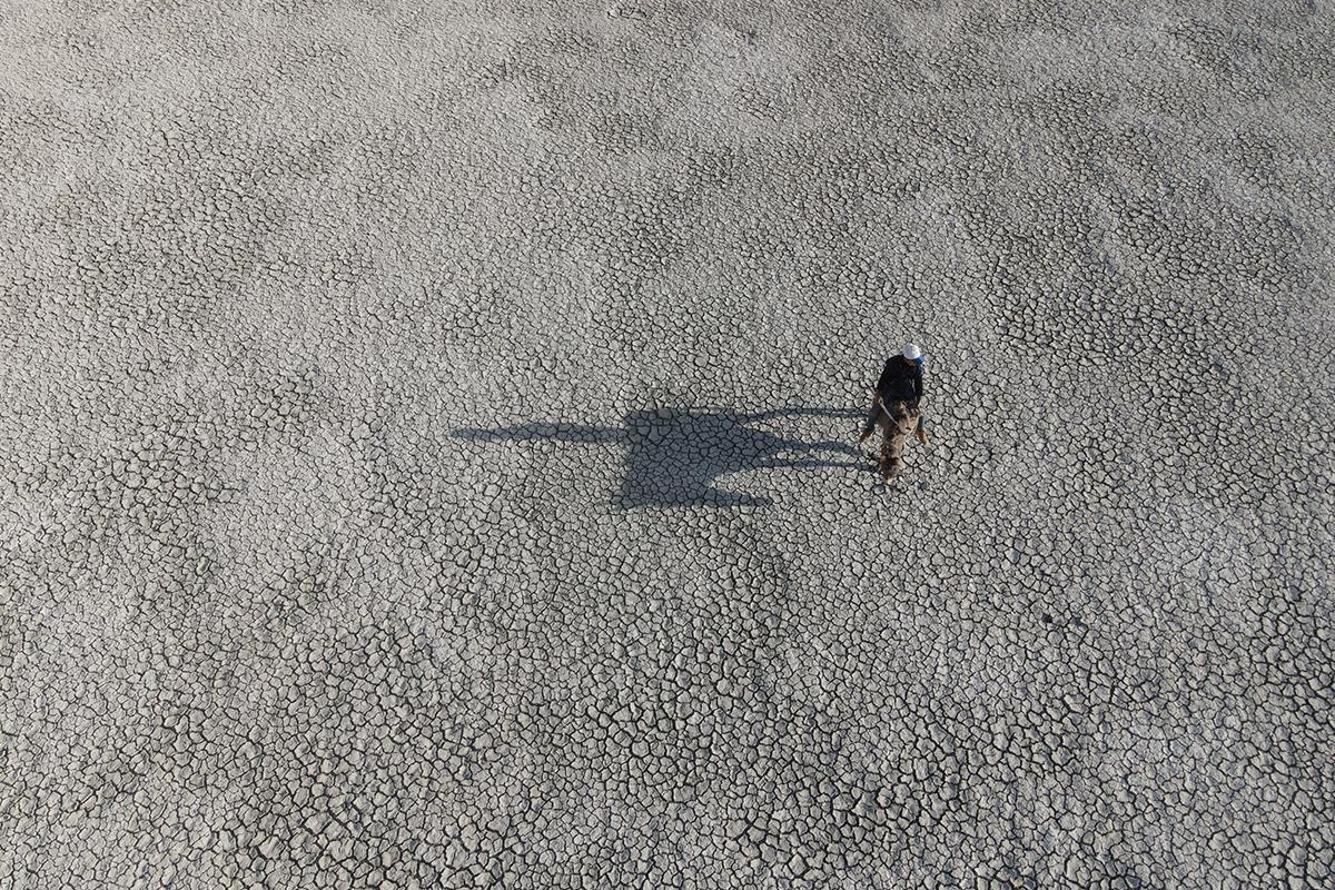 Akgöl'ü kurudu, kuşlar gölü terk etti