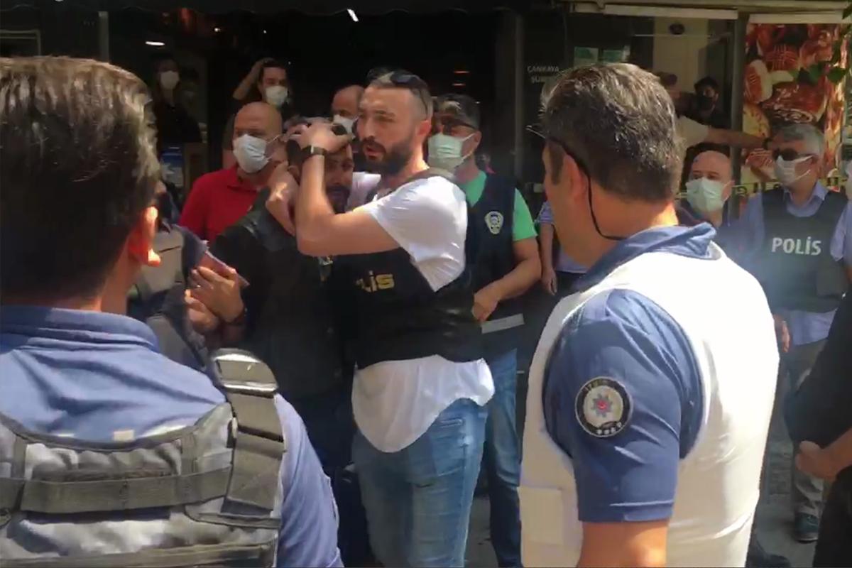 HDP İzmir il binasında silah sesleri: 1 ölü