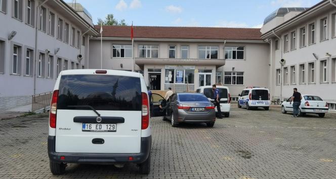 Bursada lisede kadın cinayeti...Eşini çalıştığı lisenin içinde bıçaklayarak öldürdü