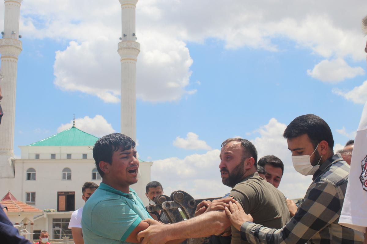 Başkent'te inşaattaki göçükte oğlu öldü, baba yaralandı