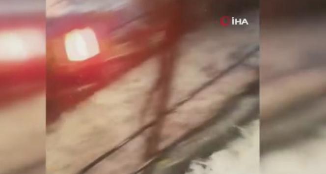 Sağanak yağış sonrası Galatada sokaklar adeta nehri andırdı