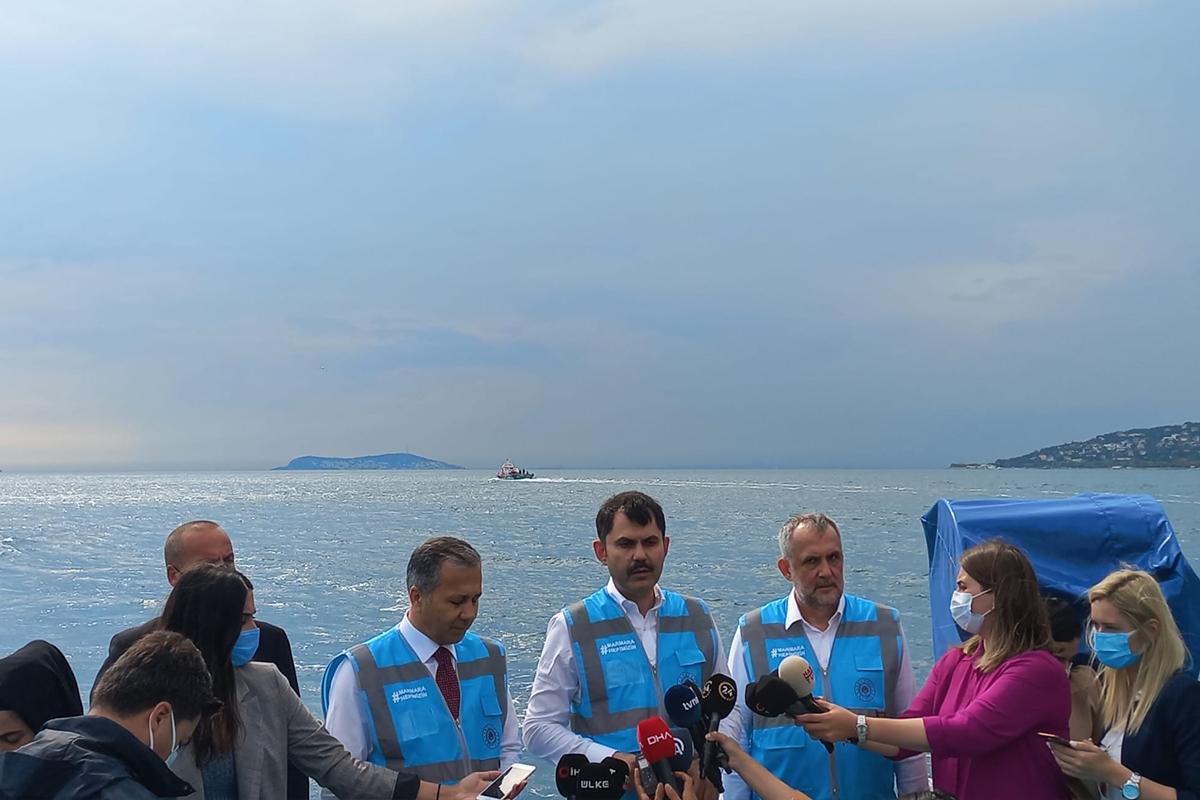 Bakan Kurum: 'Marmara 10 gün öncesine göre daha temiz'